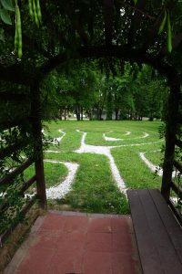 Labyrinth Arbor(1)